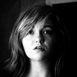 Black & White headshot of Hanna Lee